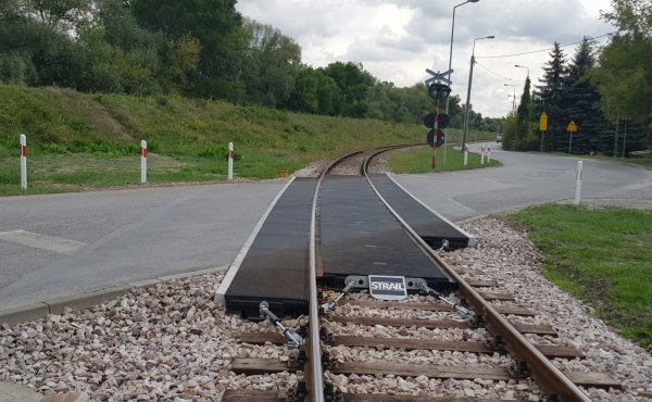 Reconstruction of the Railroad Crossing 'Strail' in Warsaw